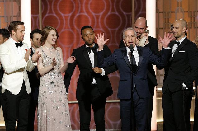 "la la land golden globes show 2017 billboard 1548 - Why ""La La Land"" may dazzle at the Oscars this year?"
